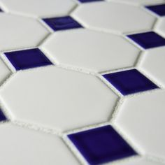 Somertile 11-5/8x11-5/8-inch Victorian Octagon Matte White with Cobalt Dot Porcelain Tile (Case of 10) | Overstock.com