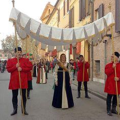 @gsoattin Carnevale Rinascimentale a Ferrara #rinascife2016 #paliodiferrara #myferrara #comunediferrara #corteducale #visitferrara #turismoferrara #turismoer #igersemiliaromagna #igersitalia #carnevalerinascimentale #ferrara #ferrararinascimentale #igersferrara #vivoferrara #ig_ferrara #volgoferrara