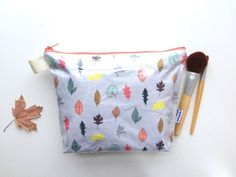 Leaves Divided Flat Bottom Pouch Medium by handmadephilosophy