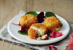 Baked Goats' Cheese with Rhubarb Relish | Aldi