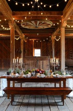 Meghan Streit of Shindig Weddings & Events; Southern Blooms by Pat's Floral Designs; photo by Jen Fariello; venue is Belle Haven on the James