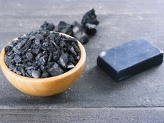Et non le charbon n'est pas utile que pour le barbecue ! Il est aussi un super allié beauté !