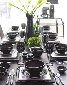 Con algunos alimentos es preferible no usar vajilla de aluminio http://www.mujerya.com/2012/08/vajillas-de-diseno-indispensable-en-casa.html