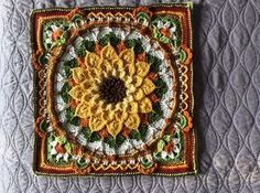 Ravelry: The Enchanted Garden Tote by Courtney Laube