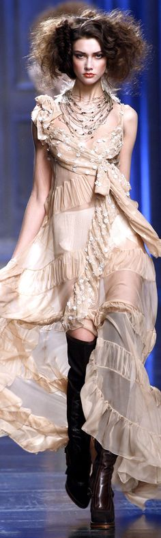 Christian Dior fall 2010.                                                                                                                                                                                 More