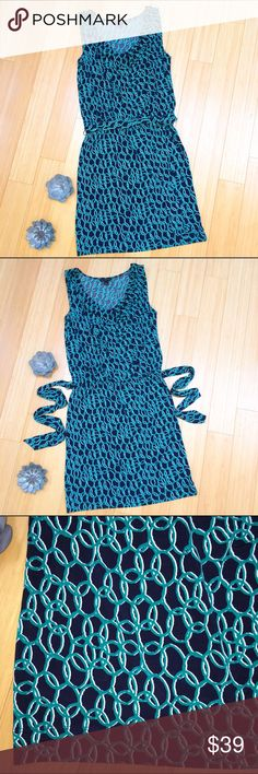 "BANANA REPUBLIC dress, S. Pretty dress by BANANA REPUBLIC, sz small.  Optional tie at waist in front, back, or omit it.  Great dress for the office. Length is about 40"". Banana Republic Dresses Midi"