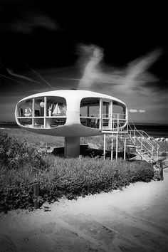 The handiwork of German engineer Ulrich Müther along with architect Dietrich Otto, this nicely appointed lifeguard pod can be found on the beach in Binz, on the German island of Rügen.
