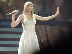 Taylor Swift On Red Tour 2013