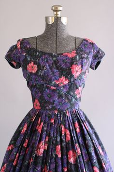 Vintage 1950s Dress / 50s Cotton Dress / Jerry Gilden Purple and Pink Floral Print Dress w/ Shelf Bust XS/S
