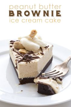 This low carb Peanut Butter Brownie Ice Cream Cake is no churn! LCHF Keto THM Banting Atkins recipe via @dreamaboutfood