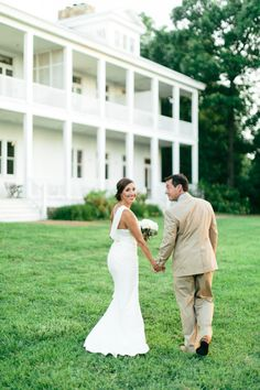 Best Cinderella Wedding Photography Company Chattanooga TN Elegant outdoor wedding at Gorham us Bluff overlooking