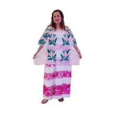 Blusa de organza bordada a mano con hilo de seda y falda en telar comercial.