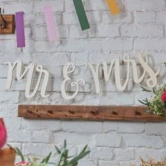 Ver detalles de Banderín boho Mr and Mrs madera
