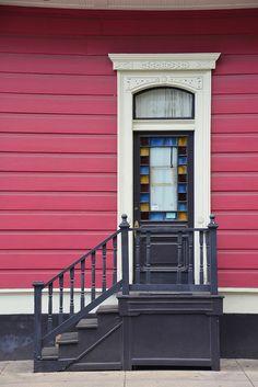 glass door colours and paint - Faubourg Marigny, New Orleans, Louisiana Cool Doors, Unique Doors, Front Doors, Windows And Doors, Knobs And Handles, Door Handles, New Orleans Louisiana, Classic Image, Big Houses