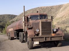 1960 Peterbilt 281 Duel Famous vintage truck