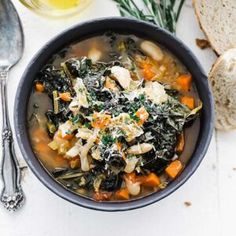 This incredibly easy to make ribollita soup recipe is loaded with greens, vegetables, and beans that is served with crusty rustic bread. Ribollita Soup Recipe, Cioppino Recipe, Chicken Soup Recipes, Turkey Recipes, Rustic Bread, How To Cook Beans, Holiday Side Dishes, Thing 1, Best Chef