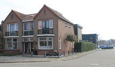 Hoekwoning met kantoor aan de Bentinckslaan 6 in Hoogeveen