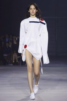 Jacquemus Ready To Wear Spring Summer 2016 Paris - NOWFASHION