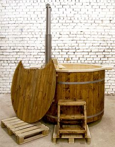 Spruce Wooden Hot Tub with Wood   burning Stove