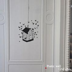 << RETOUR GALERIE Poetic wall – Stickers dessin – La cage aux cœurs Sur mur / On the wall : 41×134 cm Dans le pack / In the pack : 50×50 cm