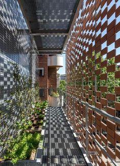 Textil cerámico, nueva piel para una ampliación | Arquitectura