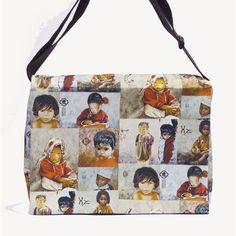 Sacoche Patchwork Enfants du monde  Site : http://www.lysandcreations.com/boutique/liste_rayons.cfm?