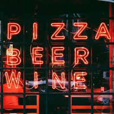 Let's take a second to appreciate the important things in life! 🍕🍺🍷