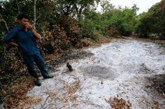 """Hơn 200 ngôi mộ giả ở Đà Nẵng """"biến mất"""" chỉ sau một đêm - http://www.daikynguyenvn.com/viet-nam/hon-200-ngoi-mo-gia-o-da-nang-bien-mat-chi-sau-mot-dem.html"""