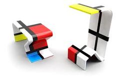 This piece of furniture of colors inspired by the works of Pieter Cornelis Mondriaan (Piet Mondrian) and developed by the Brazilian designers Adriana Trentin and Bruno Oro is a fun and playful piece with ability to perform various tasks.
