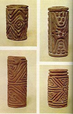 Rodillos pintadores - Cultura Quimbaya Clay Texture, Texture Art, Ceramic Pottery, Ceramic Art, Indian Ceramics, Colombian Art, Jungle Art, Clay Stamps, Ceramic Tools
