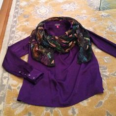 Vince Camuto soft scoop neck shirt Vince Camuto soft scoop neck shirt. In perfect condition and looks great with a pashmina! Vince Camuto Tops