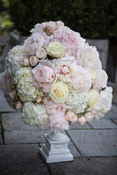 #Hochzeitsdekoration #Hochzeitsplaner #weddingdesign #weddingdecoration #wedding #Hochzeit #weddingplanner   www.wedding-events.ch