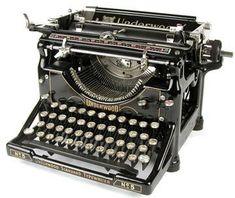 The Underwood No. a popular typewriter model. Underwood Typewriter, Writing Machine, The Hammond, Antique Typewriter, Timeline Design, Vintage Typewriters, Vintage Love, Design Vintage, Writing