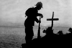 A British soldier mourns a friend at Gallipoli