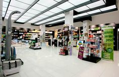 Pharmacy Design | Pharmacy Shop | Retail Design | Drug Store | Pharmacy Shelving and Fixtures | by HMY Yudigar part of the HMY Group, your global shopfitting partner