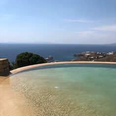 Enjoy a relaxing dip in this infinity pool while soaking in views of the famous Mykonos port setting over endless blues of the Aegean sea🛳🌅 Luxury Villas In Greece, Just Go, To Go, Mykonos Greece, Cool Pools, Greek Islands, Luxury Living, Dip, Blues