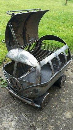 Grill BBQ Grill The official website of Michael Bradley - Author of novels, short stories and poetry involving the past, future, and what may have been. Build your own Fire pit /Barbecue from recycled materials. Barbecue Grill, Clean Grill, Metal Projects, Metal Crafts, Diy Projects, Diy Crafts, Portable Bbq, Metal Welding, Garage Workshop