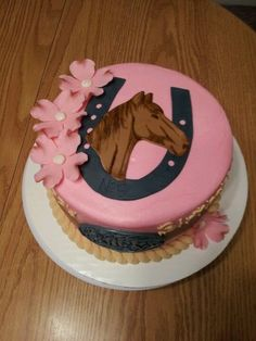 12 Amazing Horse-Themed Cakes Fit for a True Country Affair Cowgirl Cakes, Western Cakes, Cupcakes, Cake Cookies, Cupcake Cakes, Torta Matilda, Horse Birthday Parties, Horse Birthday Cakes, Horse Cupcake