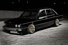 BMW E28 535i