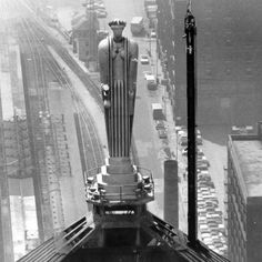 1930  Art Deco  Statue of Ceres, Roman goddess of grain, atop CBOT building  Google Image Result for http://www.cmegroup.com/stories/_files/images/04-futures-products/futures-products-products-of-land-panel-02.jpg