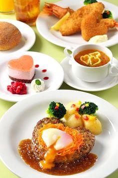 Queen of heart restaurant クイーン・オブ・ハートのバンケットホール | 東京ディズニーランド