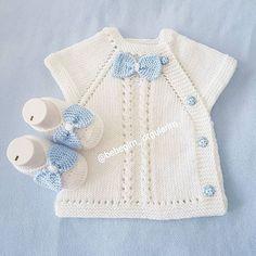 Most Popular Baby Vest Knitting Patterns of All Time Baby Knitting Patterns, Knitting For Kids, Crochet For Kids, Baby Patterns, Knit Crochet, Cardigan Bebe, Baby Cardigan, Pull Bebe, Knit Vest Pattern
