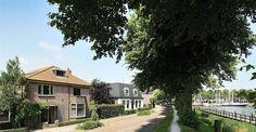 Te koop: Turfhoek 18, Medemblik - Hoekstra en van Eck - Een markant pand (1930) met onverwachte mogelijkheden en verscholen ruimte. Gelegen op een heerlijke woonstek naast de Westerhaven en aan de achterzijde aan vaarwater, totaal 510 m2 eigen grond. Alle voorzieningen, o.a. winkels, restaurants, terrasjes, havens en watersport met IJsselmeer zijn onder handbereik.