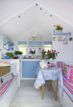 My favourite of the Little Beach Hut Co's huts (now sold) Beach Hut Shed, Beach Hut Decor, Pool Shed, Beach Huts, Garden Shed Interiors, Summer House Interiors, Beach Hut Interior, Summer Sheds, British Beaches