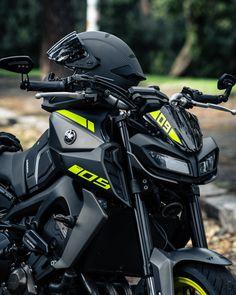Yamaha Mt 09, Yamaha Bikes, Duke Bike, Luxury Sports Cars, Camaro Car, Ride Out, Cafe Racer Bikes, Motorcycle Travel, Bugatti Cars