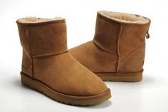 ccbfad5a9aa 10 Best Ugg Boots Christmas images | Fur boots, Moon boots, Snow boot