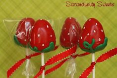 Berry Cute Cake Pops!