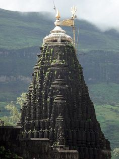 Trimbakeshwar jyotirling | Nasik, Maharashtra | India (by ganuullu)
