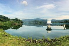 """1st Destination : Waduk Sermo (Reservoir), Kulon Progo - Yogyakarta.  It took me 1,5 hours riding a bike (roughly around 35 km from city center) to finally found this mirror like water reservoir. That clear water surface reflects its beauty as in paintings.. Such a refreshing view! . . . Well, after a quite long hiatus in posting any instagram feeds, I'm back! Hehe 😁 Last weekend, I had another """"random"""" yet refreshing 3 days trip around Yogyakarta. So, in the next few weeks I would be…"""