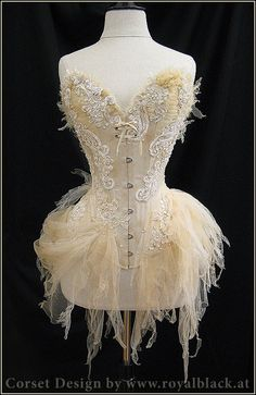 Make My Own Corset | Miss Meadows' Pearls: Corsets